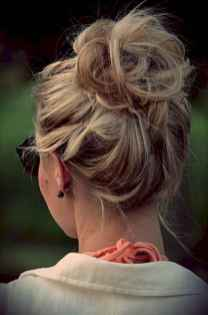21 Cute and Easy Messy Bun Hairstyle for Summer