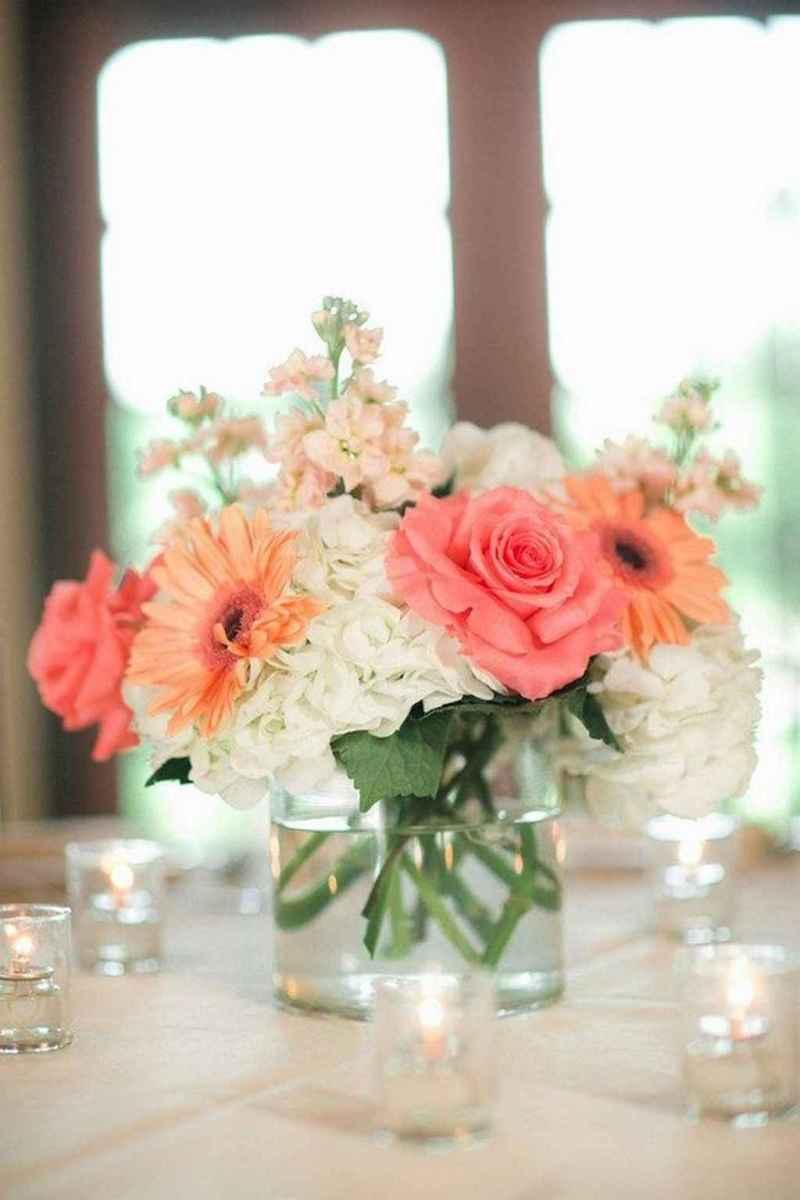 22 Romantic White Flower Centerpiece Decor Ideas