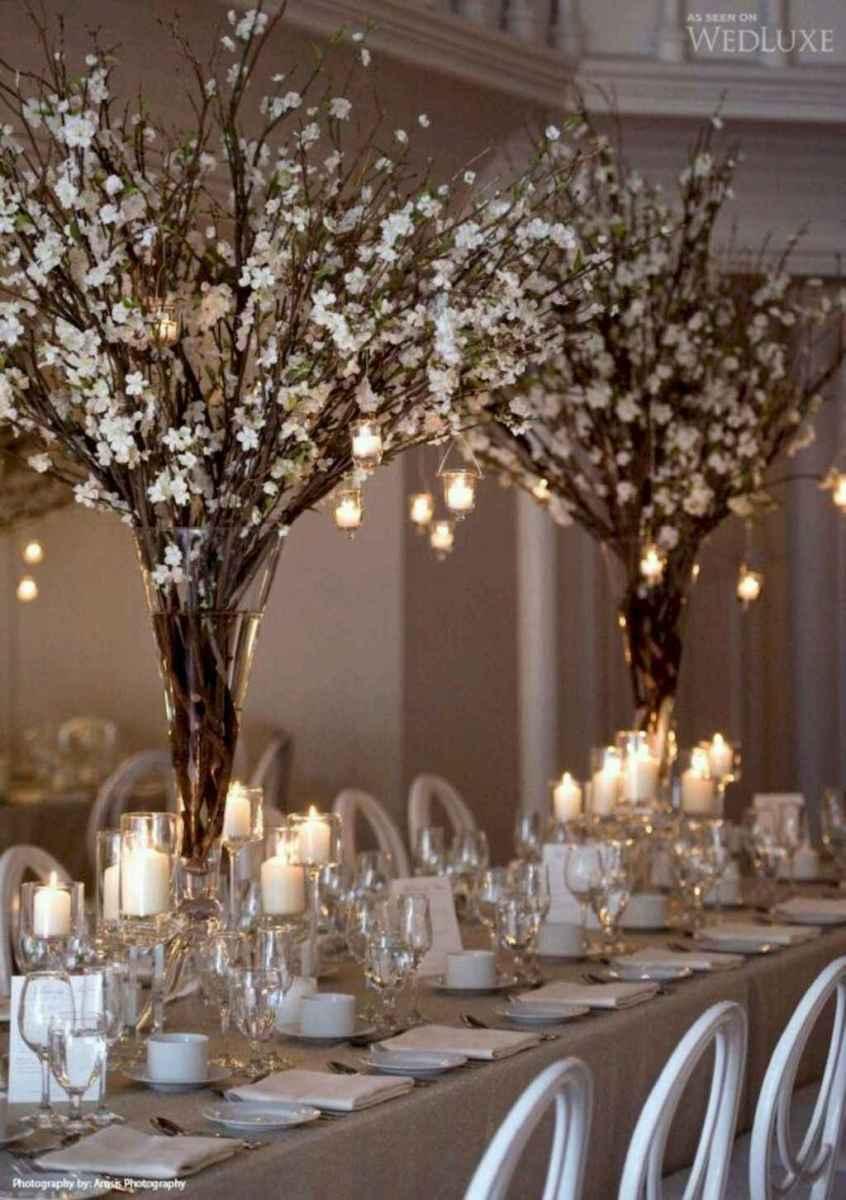 29 Romantic White Flower Centerpiece Decor Ideas