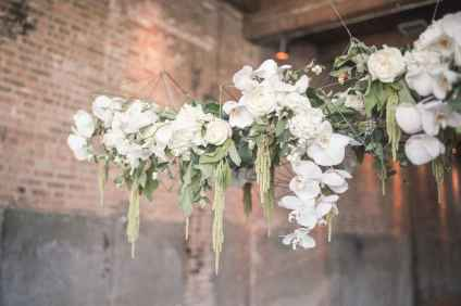 30 Rustic Wedding Suspended Flowers Decor Ideas