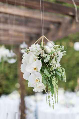42 Rustic Wedding Suspended Flowers Decor Ideas