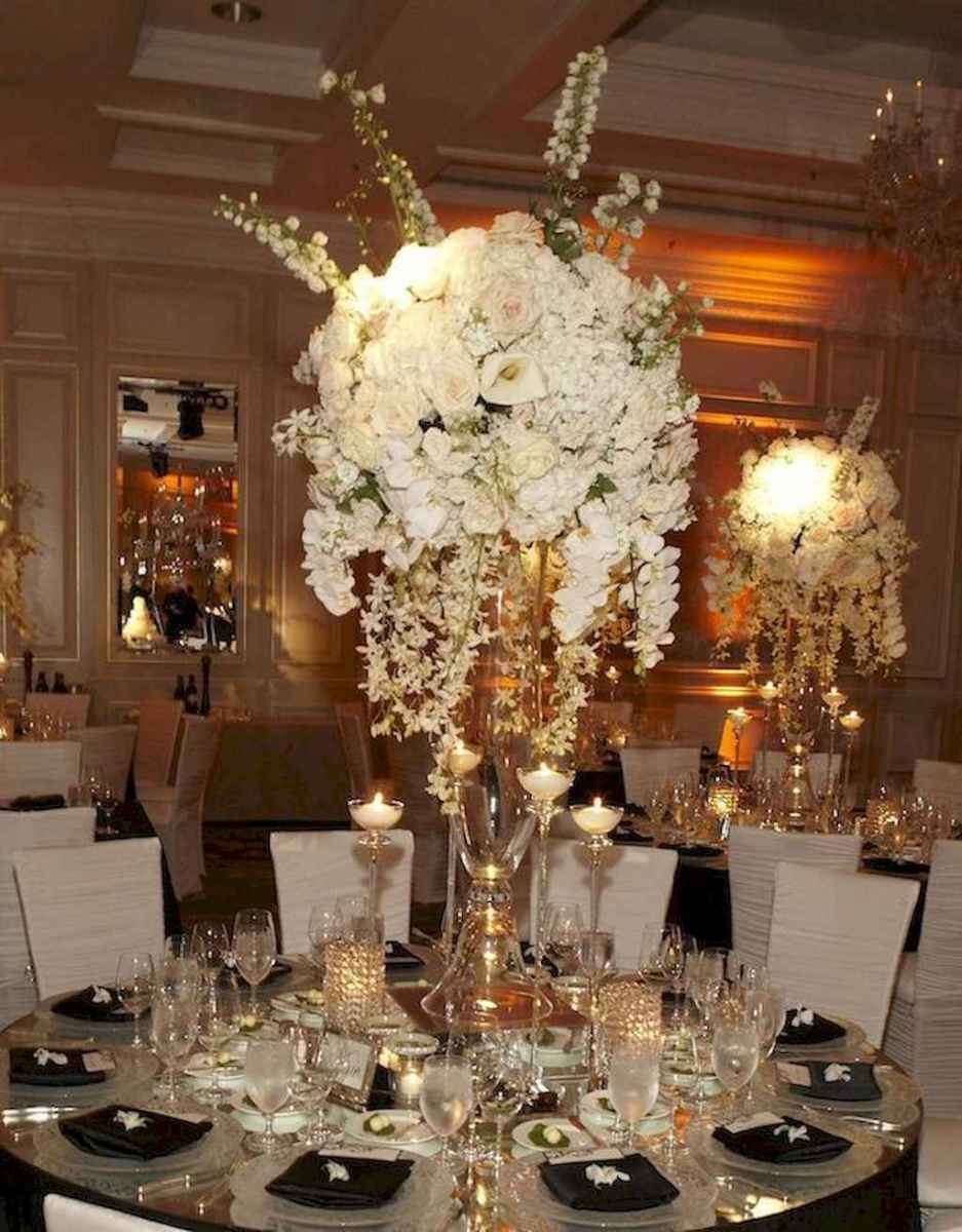 62 Romantic White Flower Centerpiece Decor Ideas
