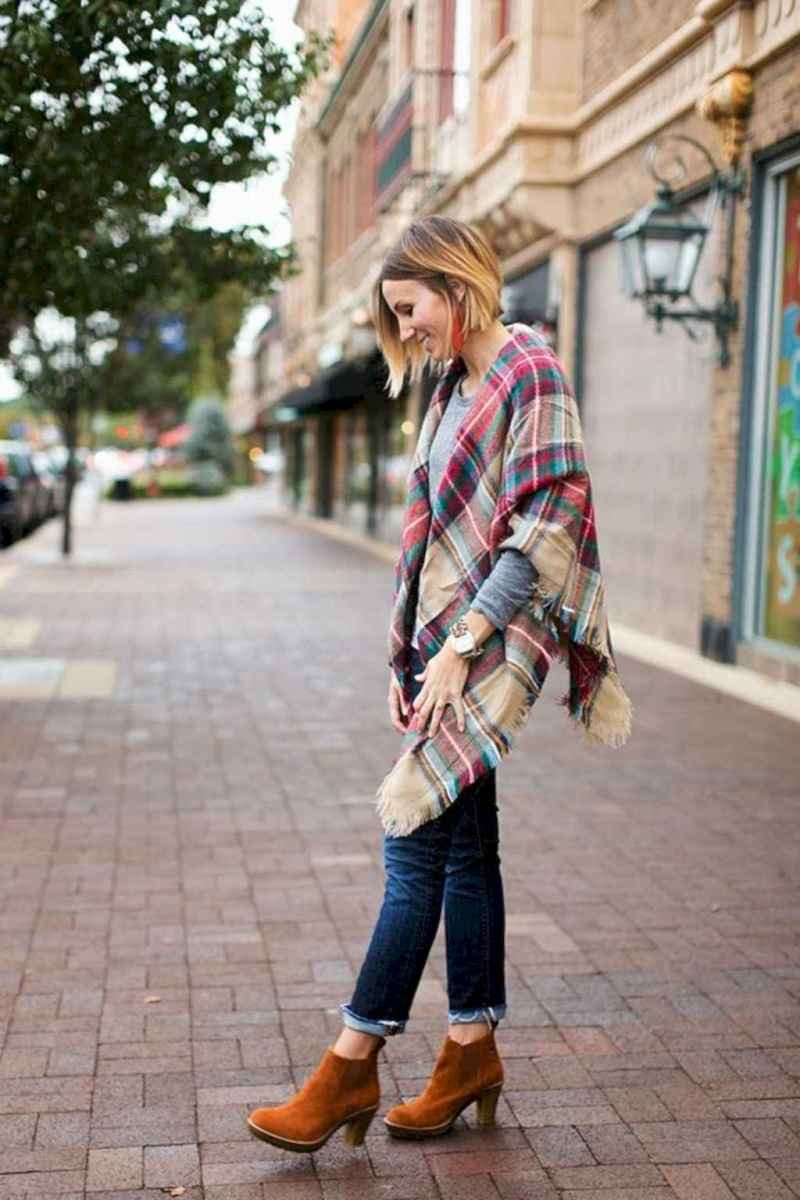 07 Trending Winter Outfits Oversized Poncho Outfit Ideas