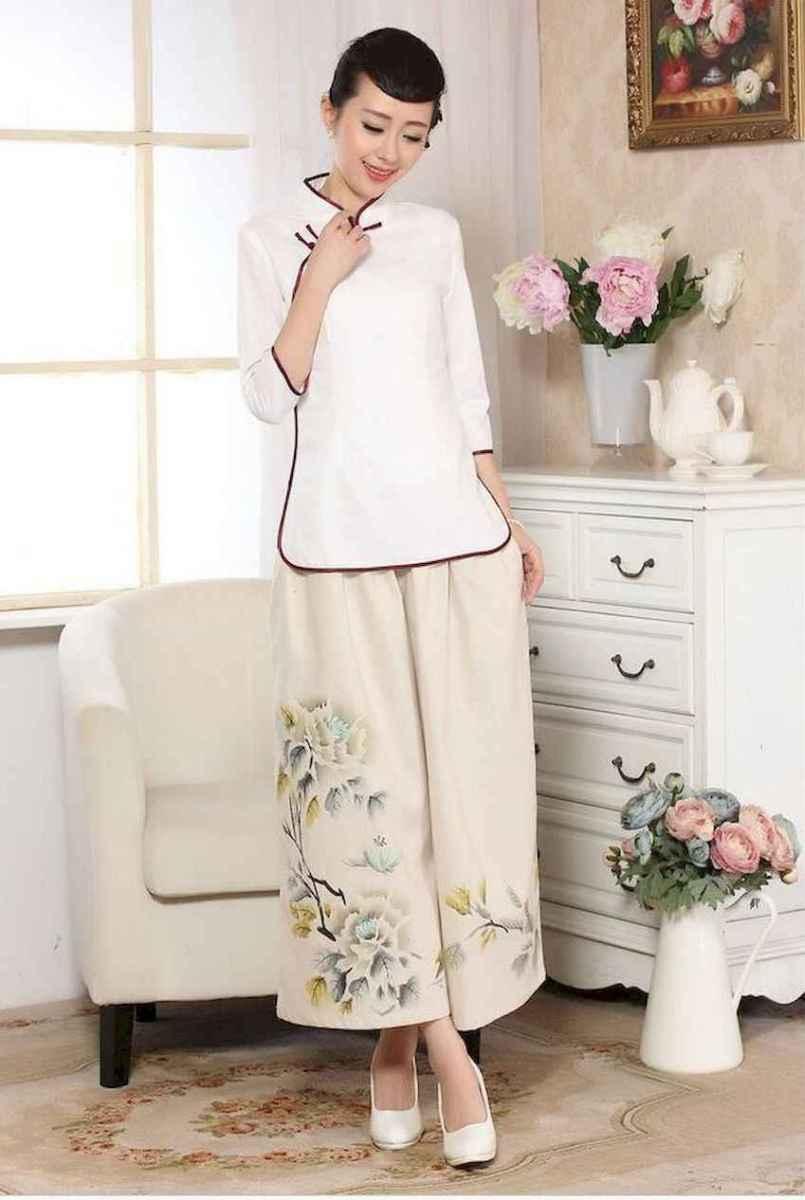 02 Elegant Beige Linen Pants Outfit Ideas