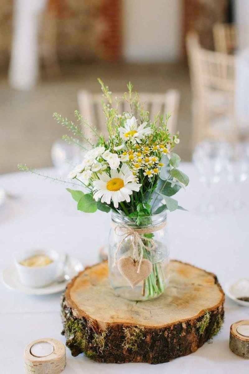 04 Simple and Easy Wedding Centerpiece Ideas