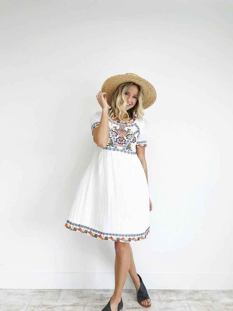 18 Beautiful Casual Dress Ideas for Women