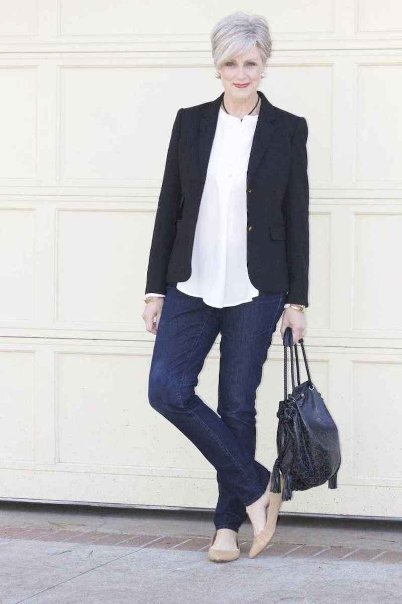 23 Best Stylish Outfits for Women over 50