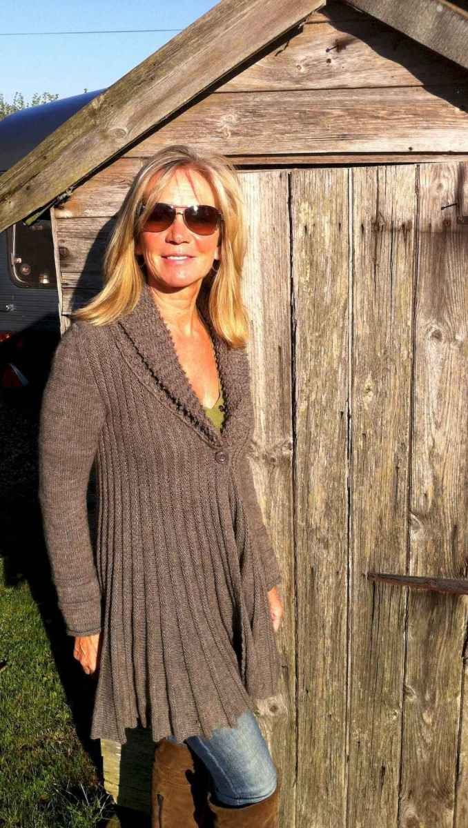39 Best Stylish Outfits for Women over 50