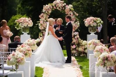 12 Gorgeous Wedding Ceremony Decor Ideas - Belle The Magazine