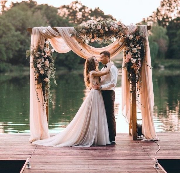 Rustic Wedding Ideas With A Touch Of Glamour Belle The Magazine