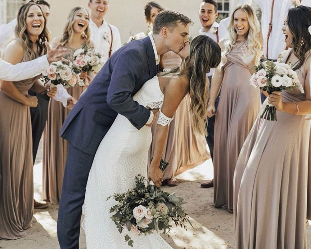 20 Simple + Rustic Wedding Dresses