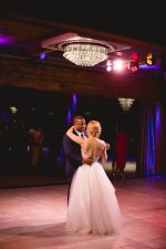 Romantic Wedding Photo - bride and groom first dance - Photography: Rochelle Louise