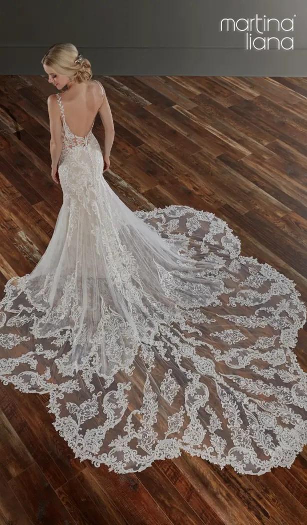 "Martina Liana Spring 2020 Wedding Dresses - 1111 ""width ="" 615 ""height ="" 1050 ""data-pin-description ="" Make a Statement with Martina Liana's Latest Collection: ""A Statement of Love"" | Martina Liana Spring 2020 Wedding Dresses - 1111 | Romantic lace sleeveless mermaid wedding dress with open back and long train #weddingdress #weddingdresses #bridalgown #bridal #bridalgowns #weddinggown #bridetobe #weddings #bride #dreamdress #bridalcollection #bridaldress #dress See more gorgeous wedding dresses by clicking on the photo ""srcset = ""https://i2.wp.com/bellethemagazine.com/wp-content/uploads/2019/05/Martina-Liana-Spring-2020-Wedding-Dresses-1111T-Martina-Liana.jpg?w=696&ssl=1 615w, https://bellethemagazine.com/wp -content / uploads / 2019/05 / Martina-Liana-Spring-2020-Wedding-Dresses-1111T-Martina-Liana-300x512.jpg 300w ""sizes ="" (max-width: 615px) 100vw, 615px ""data-jpibfi- post-excerpt = """" data-jpibfi-post-url = ""https://bellethemagazine.com/2019/06/martina-liana-wedding-dresses-2020-a-statement-of-love.html"" data-jpibfi -post-title = ""Make a Statement with Martina Liana's Latest Collection:"" A Statement of Love """" /></a data-recalc-dims="