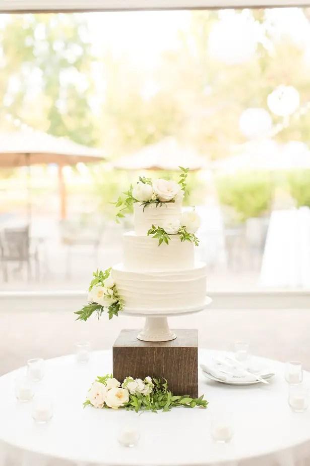 Chic wedding cake table - Theresa Bridget Photography
