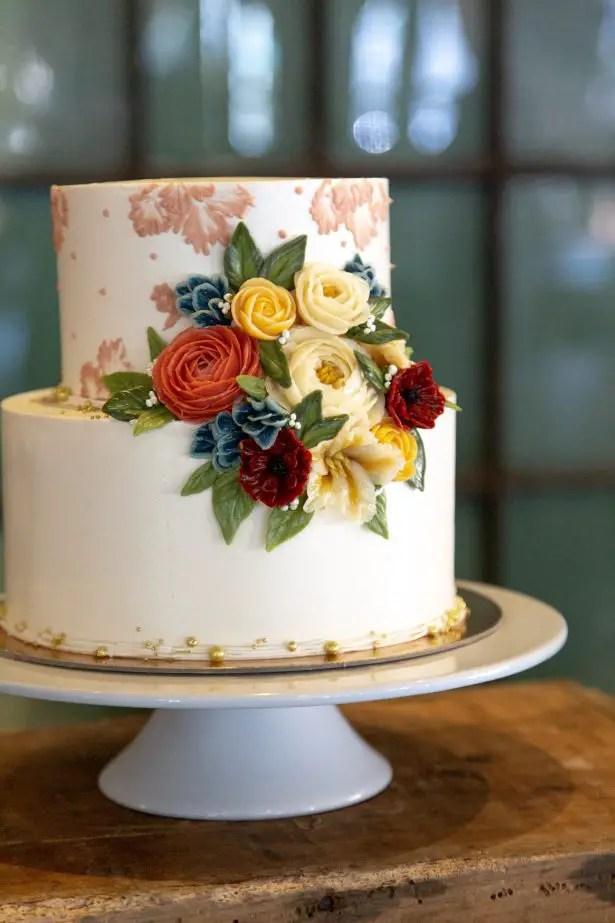 Vintage wedding cake - Photography: Szu Designs, Inc