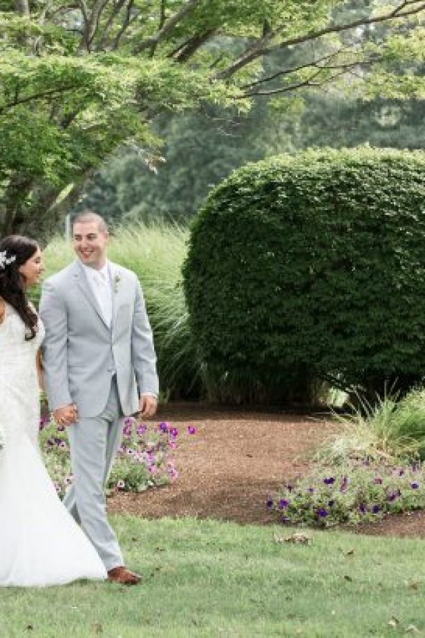 "Glamorous Summer Wedding - Lynne Reznick Photography ""width ="" 615 ""height ="" 410 ""data-pin-description ="" Glamorous Summer Wedding - Lynne Reznick Photography #bride #groom #weddings #weddingphotography #weddingphoto #love #photooftheday #ido # couplegoals ""srcset ="" https://i2.wp.com/bellethemagazine.com/wp-content/uploads/2019/06/Wedding-at-The-Villa-at-Riddler-Country-Club-Lynne-Reznick-Photography-25-615x410.jpg?resize=615%2C924&ssl=1 615w , https://bellethemagazine.com/wp-content/uploads/2019/06/Wedding-at-The-Villa-at-Riddler-Country-Club-Lynne-Reznick-Photography-25-300x200.jpg 300w, https: //bellethemagazine.com/wp-content/uploads/2019/06/Wedding-at-The-Villa-at-Riddler-Country-Club-Lynne-Reznick-Photography-25-768x512.jpg 768w ""sizes ="" (max -width: 615px) 100vw, 615px ""data-jpibfi-post-excerpt ="" ""data-jpibfi-post-url ="" https://bellethemagazine.com/2019/06/glamorous-summer-wedding-2.html "" data-jpibfi-post-title = ""A Glamorous Summer Wedding"" /><img class="