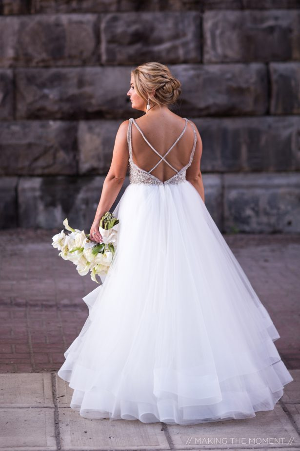 Ball gown open back princess wedding dress - Photography: Making the moment