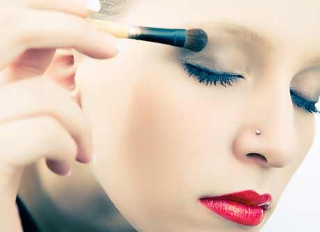 las chicas con poco maquillaje son ms atractivas para los hombres