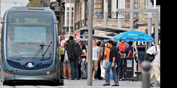 L'agression s'est déroulée au niveau du tramway de la place de la Victoireà Bordeaux (place de la Victoire à Bordeaux (© Eric Despujols)