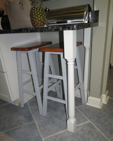 Saddle Stool Makeover - Under countertop (2)
