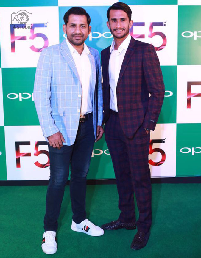 Sarfaraz Ahmed and Hassan Ali at OPPO F5 Launch