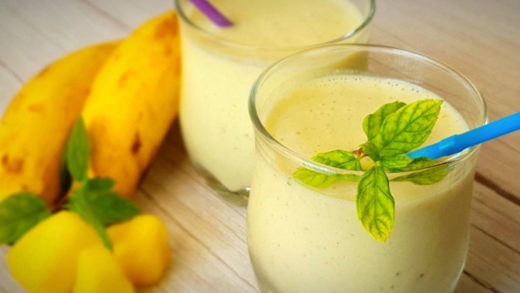 שייק בננה אננס ונענע דל בפודמאפ, Low FODMAP pineapple, banana & and mint smoothie