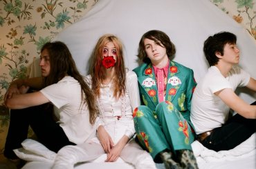 Starcrawler-Devour-You-Credit-Autumn-De-Wilde