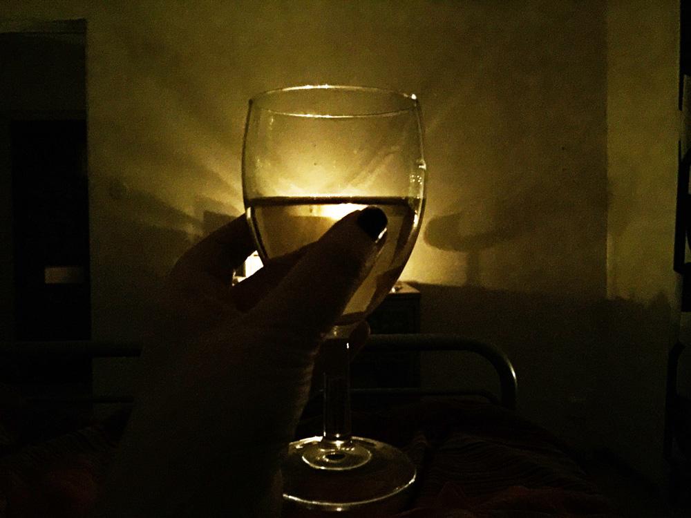 wine-home-night