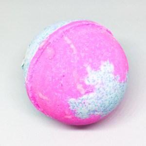 Jewelry Candles Cotton Candy bath bomb unwrapped | Below Freezing Beauty