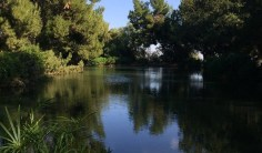 Bodies of water on hiking trails near Los Angeles are splendid