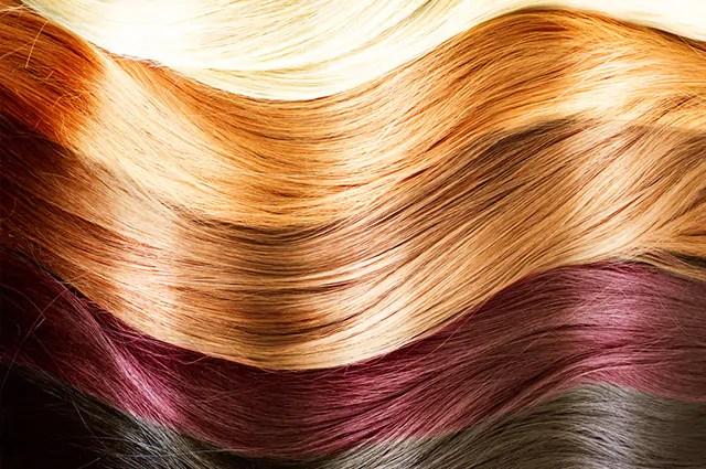Lavar os cabelos com vitamina C retira a tintura com mais facilidade