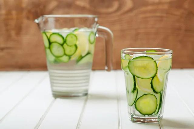 O suco de pepino é um dos remédios caseiros para tratar disúria