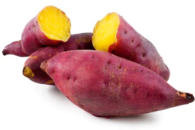 Existem três tipos de batata doce mais conhecido: a roxa, a amarela e a branca