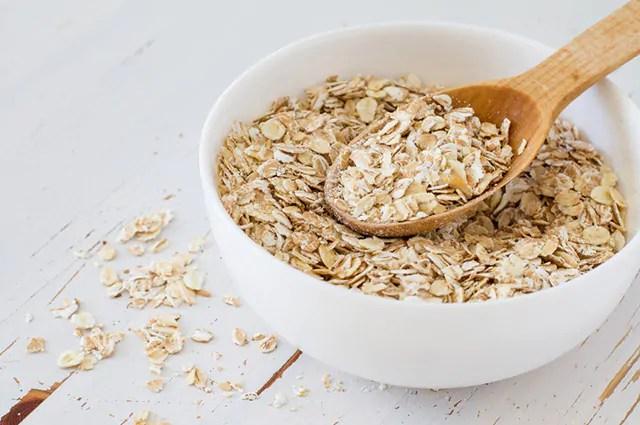 A aveia é um dos carboidratos bons para sua dieta