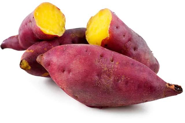 a-batata-doce-e-um-dos-carboidratos-bons-para-sua-dieta Dermatologista revela os alimentos que ajudam na proteção contra o sol