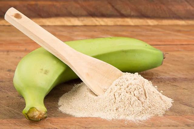 A farinha de banana verde é um dos carboidratos bons para sua dieta