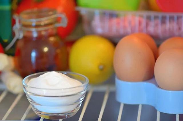 O bicarbonato de sódio promove uma limpeza mais profunda de frutas e legumes