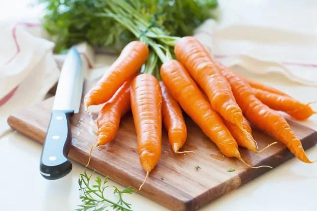 Cenoura na mesa