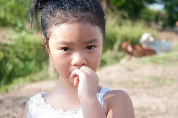 Como evitar que as crianças roam as unhas?
