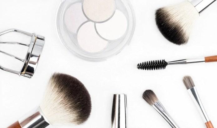 Cosméticos que podem fazer mal à pele