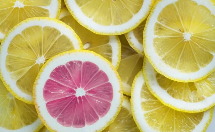 Frutas_ácidas_1570369968-1024x628 Remédios caseiros para a dor de garganta