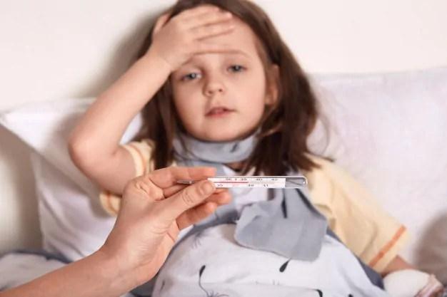 baixar a febre de forma natural