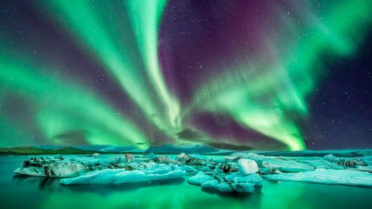 Pela primeira vez na Copa, Islândia surpreende pelas belezas naturais