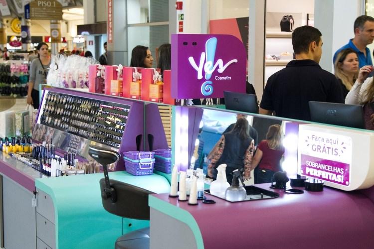 Yes! Cosmetics inaugura primeiro quiosque de Curitiba