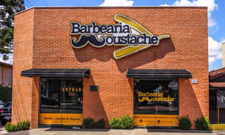 Barbearia Moustache abre unidade em Curitiba