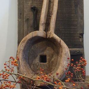 oude stoere robuuste vijzel
