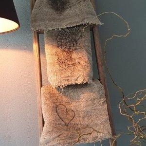 Shabbydoek hooglander leuk en decoratief voor in een landelijk interieur bij Benard's Woonaccessoires