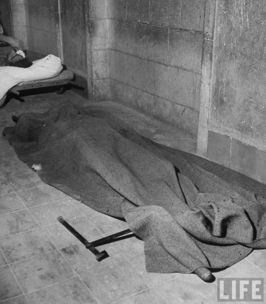 Dead Jewish Englishwoman lying dead on hospital floor after surrender of city