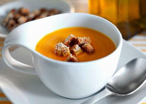 Crema de zanahorias, cúrcuma y soja tamari