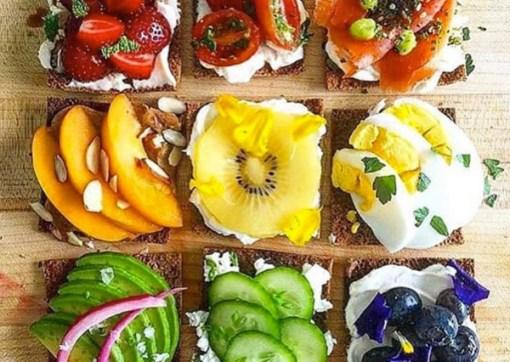 Tostadas multicolor de pan integral